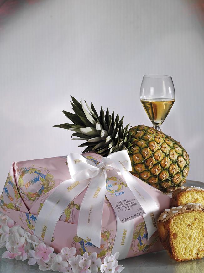Colomba con uvetta imbevuta nel vino Passerina e cubetti di ananas canditi muzzi pasqua