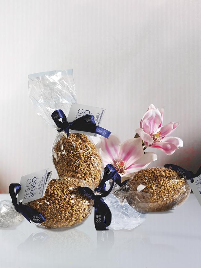 Uovo granellato di cioccolato al latte e granella di nocciola muzzi pasqua seso senso